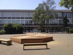 Holzpodest 4194b